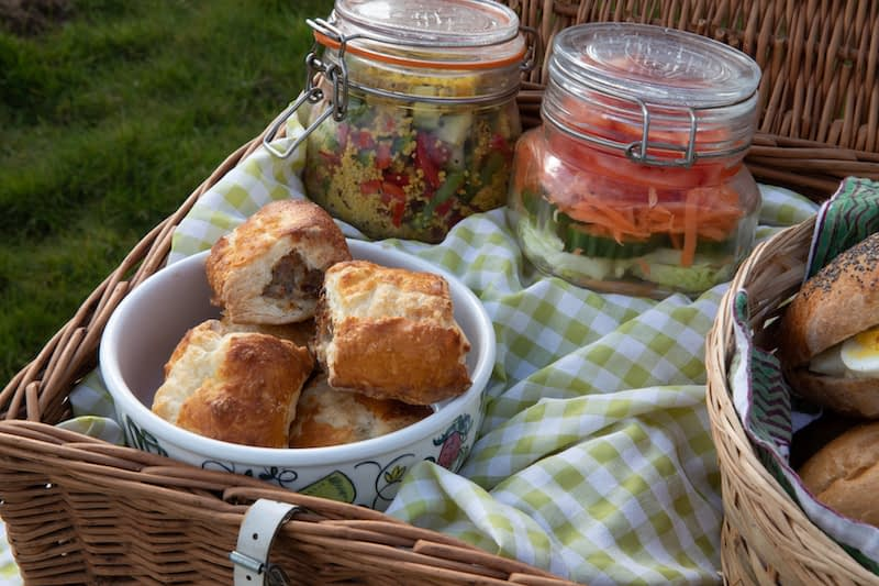 Paca-picnic hamper