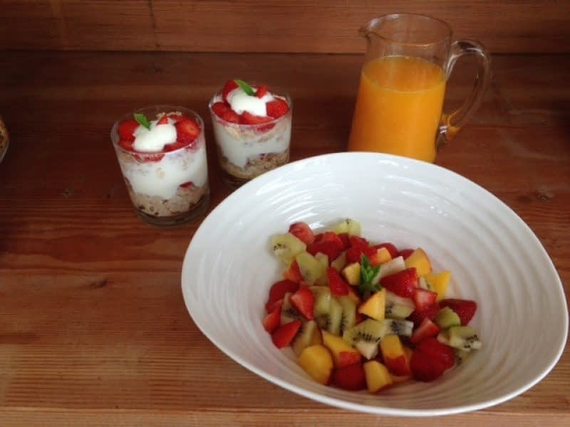 Summer-fruits-breakfast
