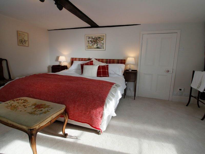 luxury-double-bedroom