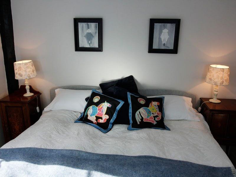 superkingsize-comfortable-double-bedroom
